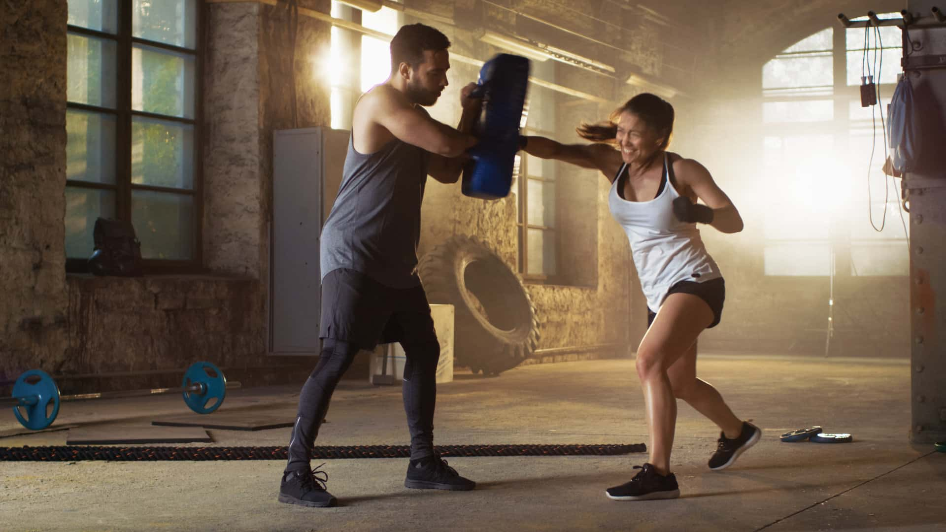 Photo d'une fille pratiquant la boxe